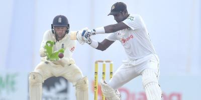 इंग्ल्यान्डविरुद्ध श्रीलंका बलियो