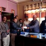 खानेपानी आयोजना निर्माणको लागि मण्डनदेउपुर नगरपालिकाको सहयोग