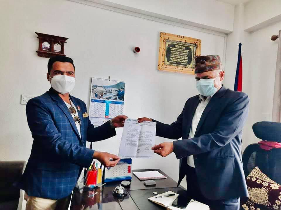 पत्रकार महासंघ काभ्रेले बुझायो प्रमुख जिल्ला अधिकारीलाई ज्ञापनपत्र